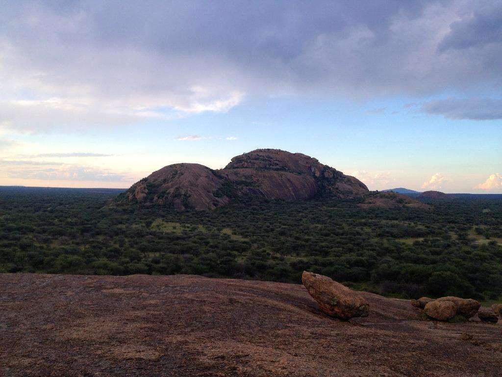 Näkymä jacuzzi kalliolta